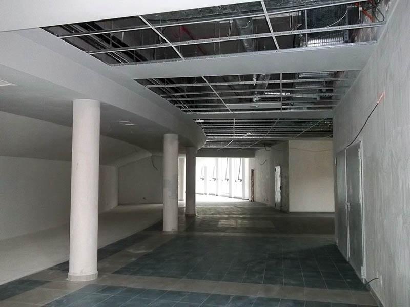 Segment A, I piętro – hol (po lewej stronie przewidziane miejsce na szatnię)