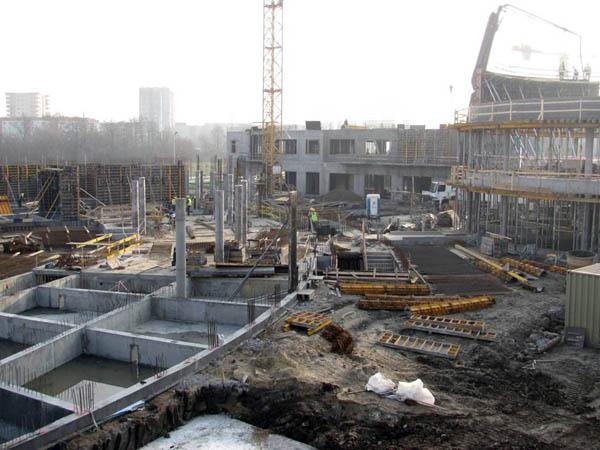 Plac budowy WFAIS UJ – na lewo widoczny segment A, z prawej strony okrągły